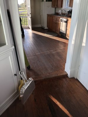 Before & After Residential Floor Cleaning in Prairieville, LA (2)